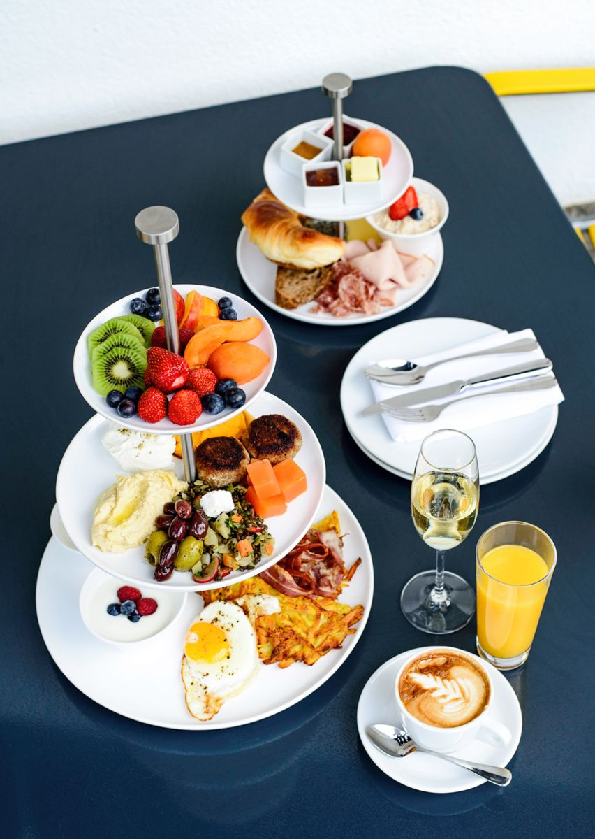 Militärkantine - Frühstück